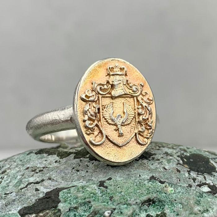 Siegelring aus Silber von der Goldschmiede Arntz in München mit Adler
