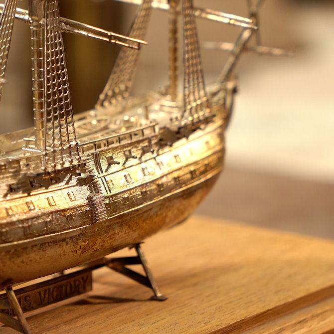 Goldschmiede Arntz - Ausgefallene Stücke und Objekte aus Edelmetall sind unsere Spezialität